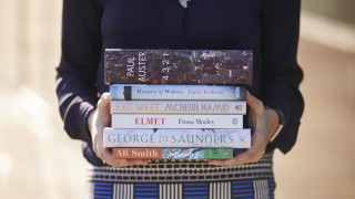 Man Booker Prize: Ο Πολ Όστερ στους έξι φιναλίστ του βραβείου λογοτεχνίας