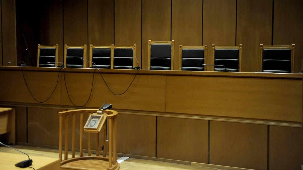 Πολυετείς ποινές κάθειρξης επιβλήθηκαν σε δύο άνδρες που κατηγορούνταν για βιασμό ανηλίκων