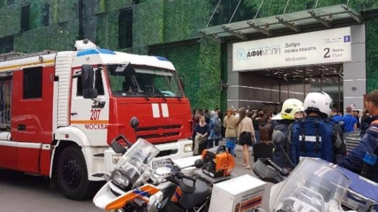 Σε διαρκή συναγερμό η Μόσχα - Μαζικές εκκενώσεις κτιρίων (pics&vids)