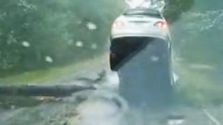 Ίρμα: Συγκλονιστικό βίντεο από κάμερα αυτοκινήτου