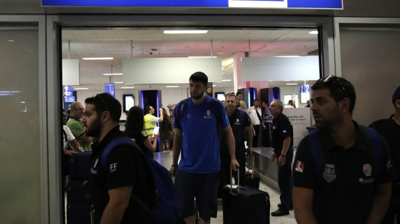 Eurobasket 2017: Επέστρεψε στην Ελλάδα η εθνική ομάδα