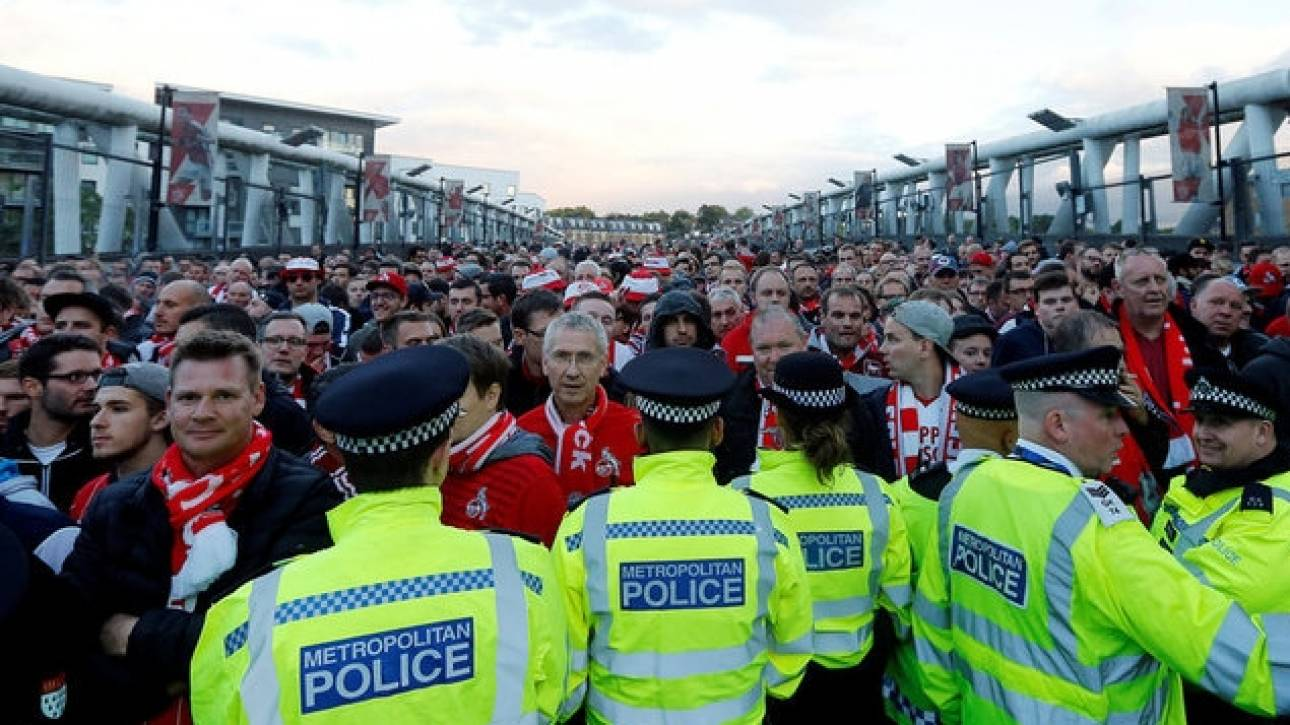 Χιλιάδες οπαδοί της Cologne επιχείρησαν να μπουν στο στάδιο χωρίς εισιτήρια (pics)