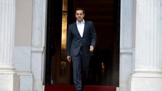 Αυστηρή τιμωρία όλων των υπευθύνων για τη ρύπανση στον Σαρωνικό ζήτησε ο Τσίπρας