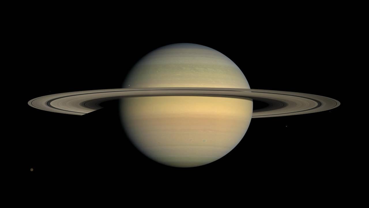 Η αποστολή Cassini-Huygens υπήρξε κοινό εγχείρημα της Αμερικανικής Διαστημικής Υπηρεσίας (NASA), του Ευρωπαϊκού Οργανισμού Διαστήματος (ESA) και της Ιταλικής Υπηρεσίας Διαστήματος. Εδώ, το μεγαλείο του Κρόνου στις 23 Ιουλίου 2008.