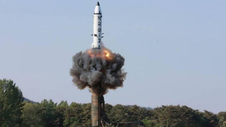 Η Ελλάδα καταδικάζει απερίφραστα τη νέα εκτόξευση πυραύλου από τη Βόρεια Κορέα