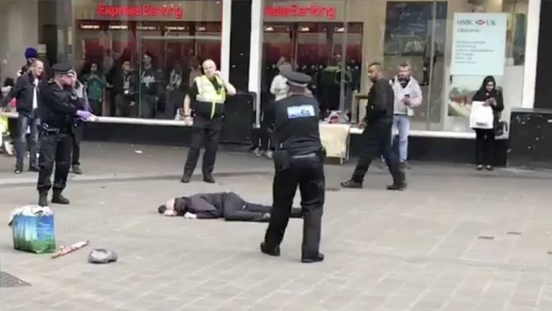 Βρετανία: Συνελήφθη άνδρας με μαχαίρι στο κέντρο του Μπέρμιγχαμ (vid)