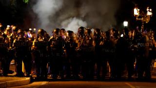 Πεδίο μάχης το Σεντ Λιούις μετά την αθώωση αστυνομικού που σκότωσε Αφροαμερικανό