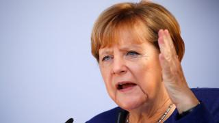 Μέρκελ: Οικονομικές πιέσεις στην Άγκυρα για την απελευθέρωση των Γερμανών κρατουμένων