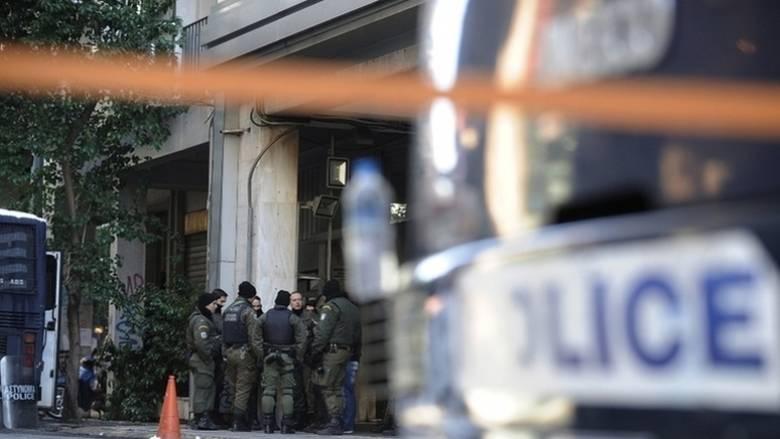 Επιθέσεις με μολότοφ και πέτρες εναντίον διμοιριών των ΜΑΤ στα Εξάρχεια