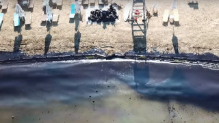 Drone καταγράφει το μέγεθος της οικολογικής καταστροφής από την πετρελαιοκηλίδα (vid)