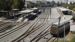 Εκτροχιάστηκαν δύο βαγόνια εμπορικής αμαξοστοιχίας κοντά στην Τιθορέα