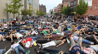 Τέταρτη ημέρα διαδηλώσεων στο Σέντ Λούις για την αθώωση αστυνομικού που σκότωσε Αφροαμερικανό (pics)