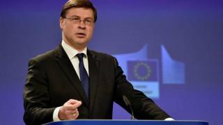 Ο Ντομπρόβσκις «καρφώνει» την ελληνική κυβέρνηση: Δική της επιλογή η αύξηση φόρων