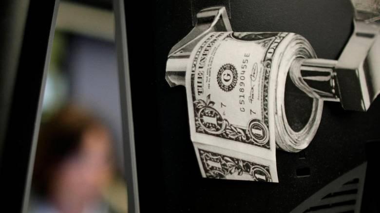 Ελβετία: Τουαλέτες σε τράπεζα και εστιατόρια βούλωσαν από… 500ευρα