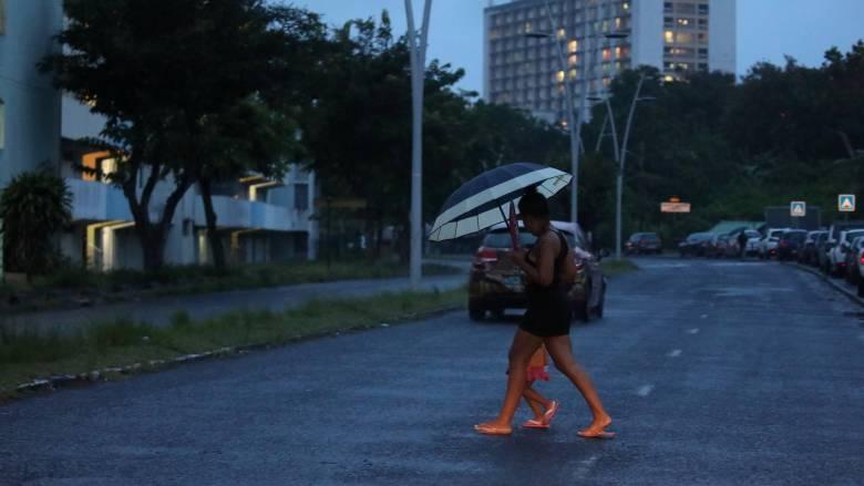 «Οι κάτοικοι έχασαν ό,τι μπορούσε να χαθεί»: Ο κυκλώνας Μαρία σαρώνει το νησί Δομίνικα της Καραϊβική