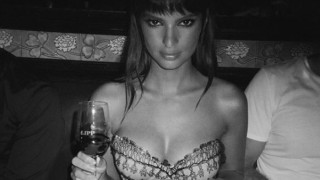 Emily Ratajkowski: Απογοητευμένη καταγγέλει περιοδικό για υπερβολικό Photoshop