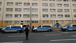 Γερμανία: Νεαρή πρόσφυγας βρήκε 14.000 ευρώ και τα παρέδωσε στην αστυνομία