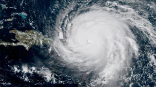 Στο «μάτι» του κυκλώνα Μαρία το Πουέρτο Ρίκο (vids)