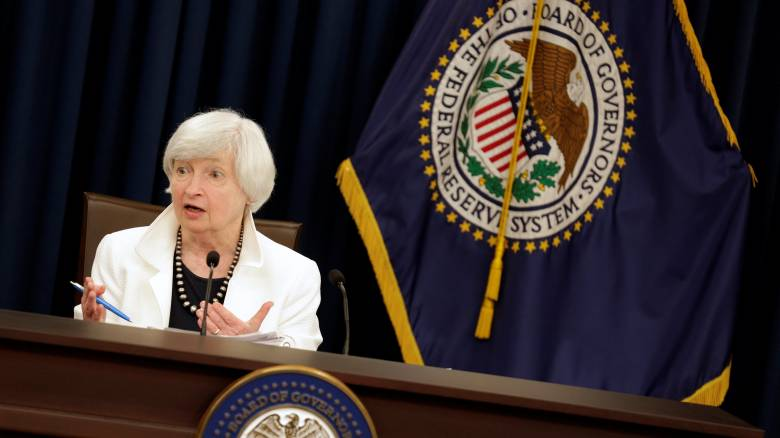 Ενισχύεται το δολάριο μετά τις ανακοινώσεις της Fed για νέα αύξηση επιτοκίων