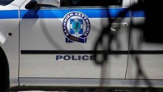 Εξιχνιάστηκε ληστεία Σύρου στην Αθήνα – Συνελήφθησαν δύο αστυνομικοί