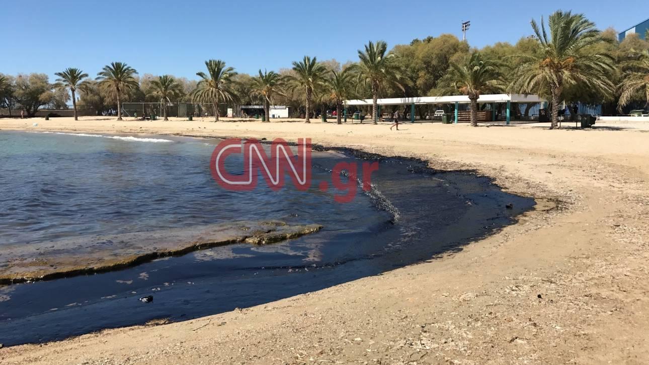 Σαντορινιός: Έχουν απαντληθεί τα 2/3 των πετρελαιοειδών από τις δεξαμενές του «Αγία Ζώνη ΙΙ»