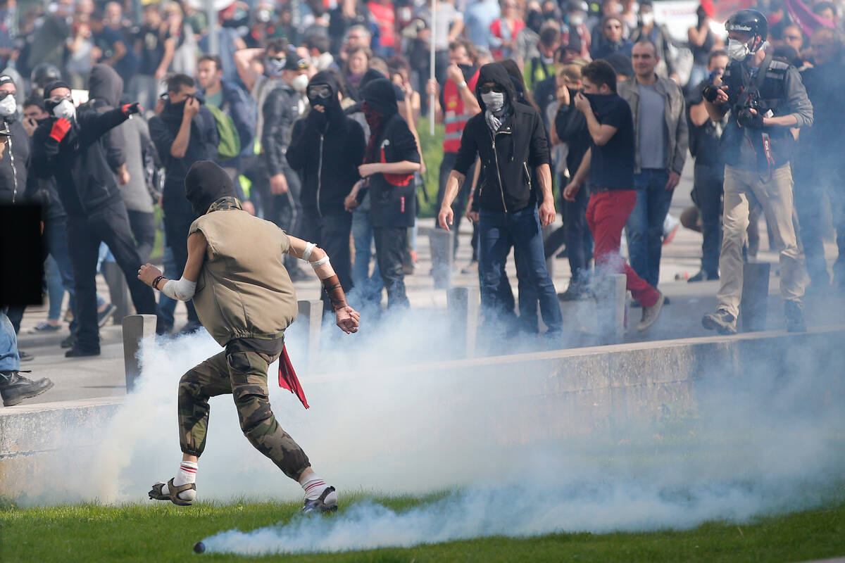 2017 09 21T174010Z 511868796 RC193DF5A240 RTRMADP 3 FRANCE REFORM PROTESTS