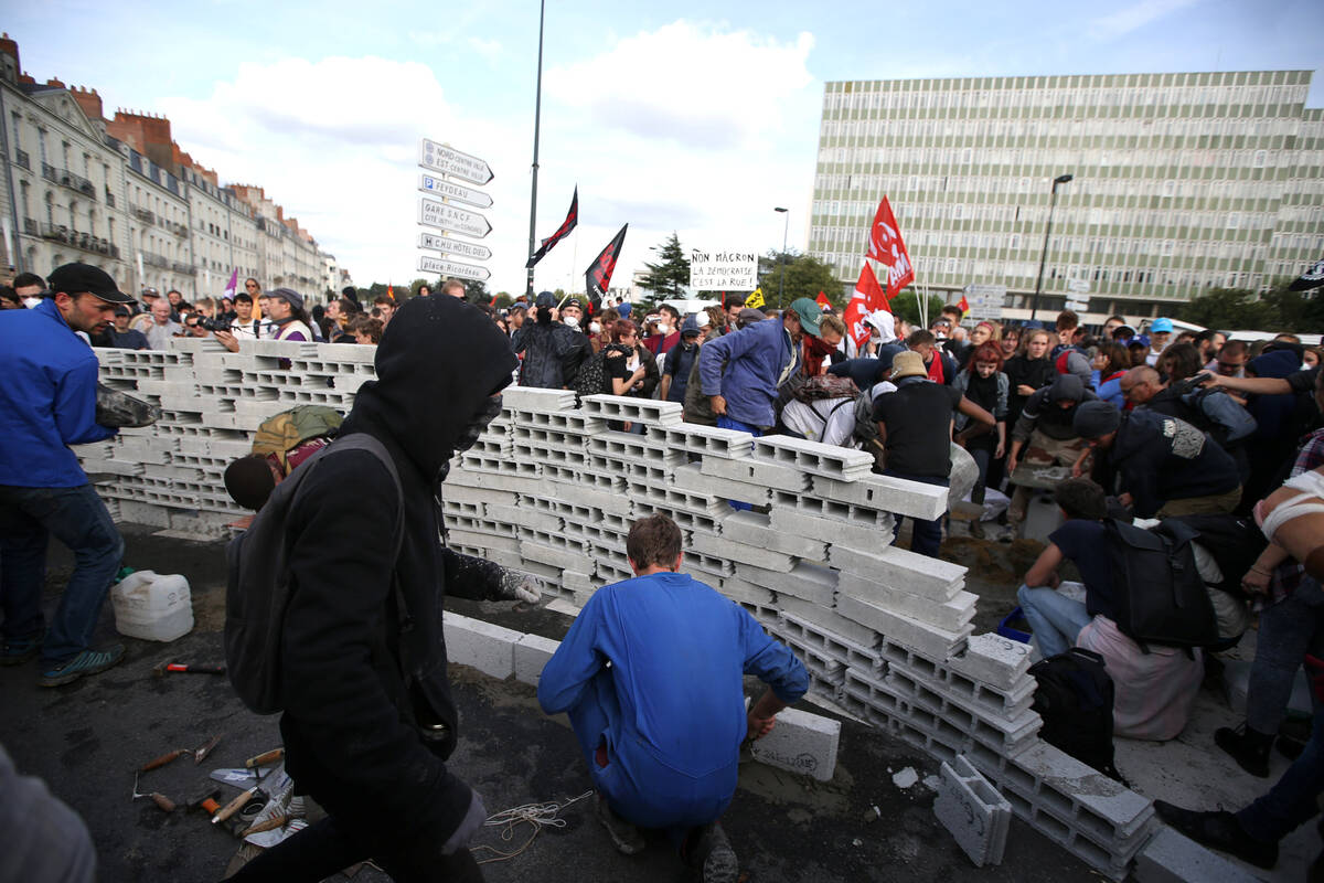 2017 09 21T174712Z 926385936 RC1FC387CF60 RTRMADP 3 FRANCE REFORM PROTESTS