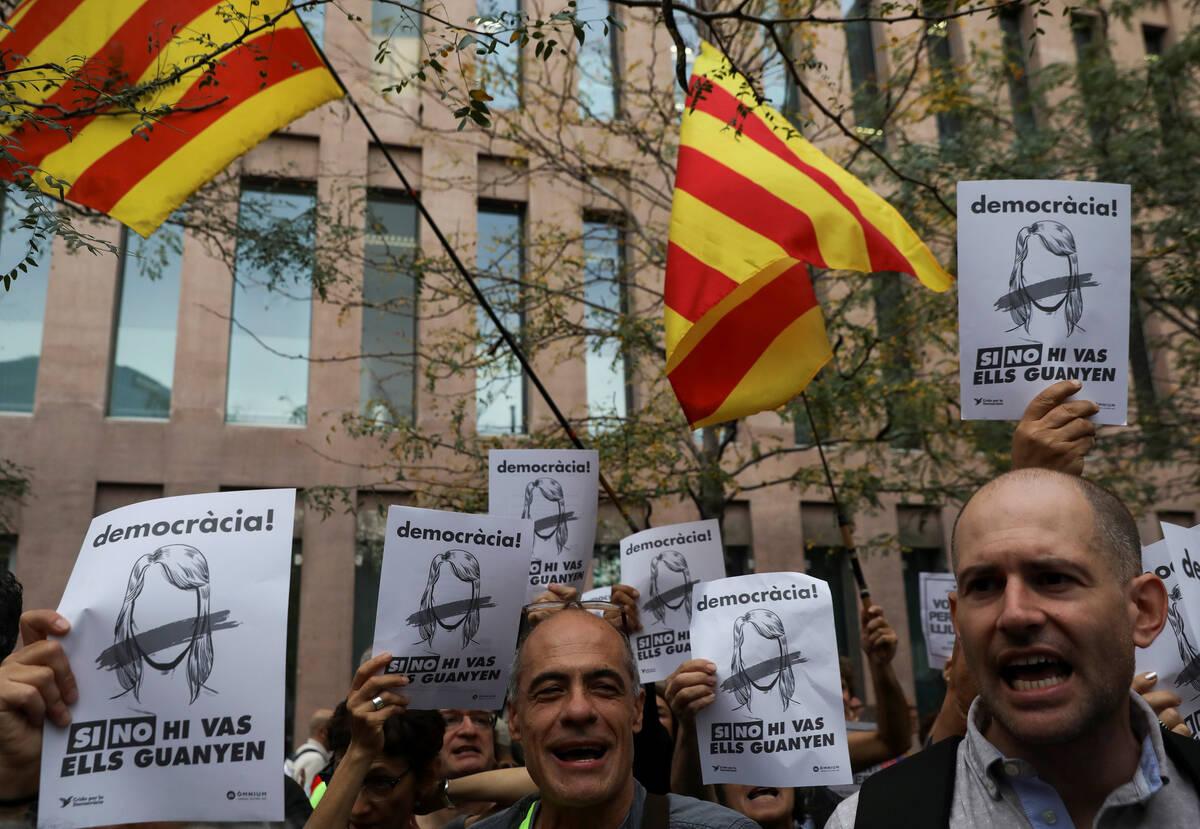 2017 09 22T093315Z 242023 RC1B6DFA77A0 RTRMADP 3 SPAIN POLITICS CATALONIA