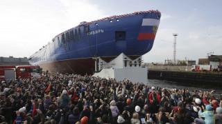Ρωσία: Καθελκύστηκε το εντυπωσιακό πυρηνοκίνητο παγοθραυστικό Sibir (pics)