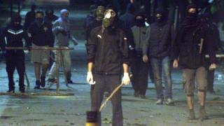 Θεσσαλονίκη: Συμπλοκή κουκουλοφόρων με ΜΑΤ – «Βροχή» από μολότοφ (pics&vid)