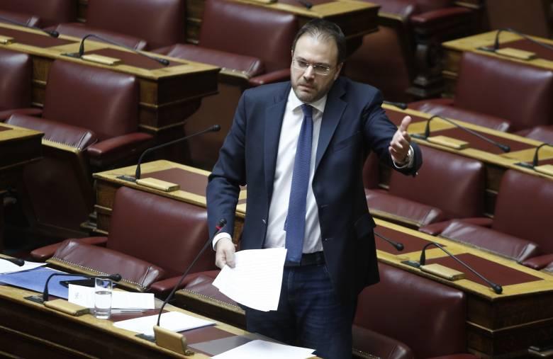 Θεοχαρόπουλος: Επίθεση σε ΝΔ - ΣΥΡΙΖΑ αλλά και ... αιχμές για την Κεντροαριστερά