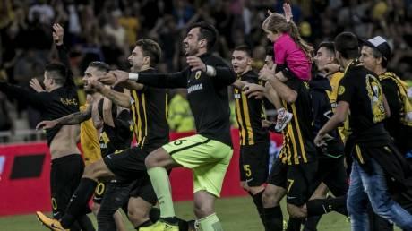 Super League: Νίκη με επική ανατροπή η ΑΕΚ επί του Ολυμπιακού