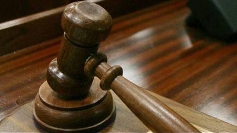 Λάρισα: Καταδικάστηκε αλλά... αφέθηκε ελεύθερος στρατιωτικός που βίαζε την κόρη του