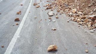 Αποκλεισμένοι δρόμοι και κατολισθήσεις από την καταιγίδα στην Σαμοθράκη