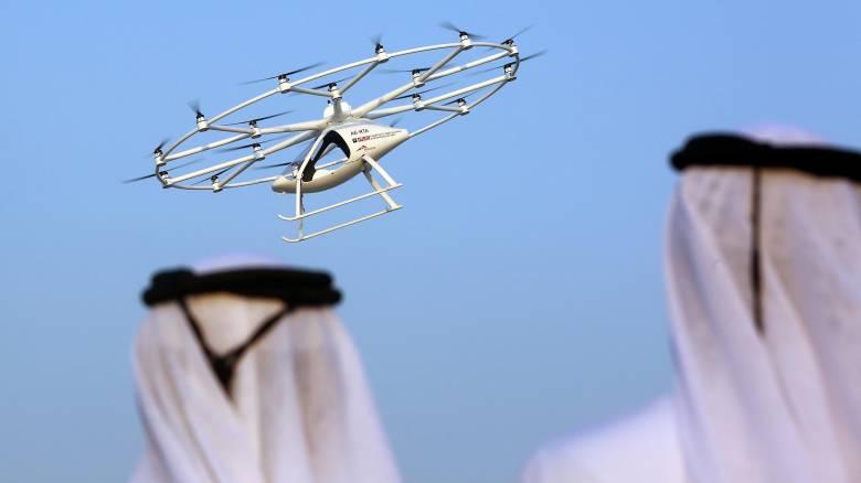 Πρώτη πτήση για το «ιπτάμενο ταξί» του Ντουμπάι (pics&vid)