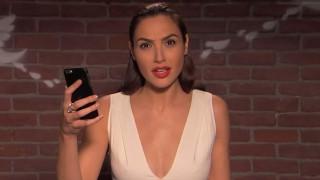 Gal Gadot: Επιβεβαιώνει ότι το στήθος της ήρθε για να μείνει στον Jimmy Kimmel