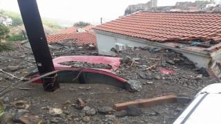 «Πνίγηκε» στη λάσπη η Σαμοθράκη: Εικόνα καταστροφής μετά την κακοκαιρία