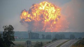 Συναγερμός στην Ουκρανία έπειτα από εκρήξεις σε αποθήκη πυρομαχικών (pics)