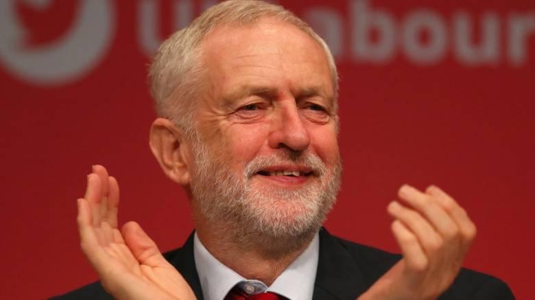 Βρετανία: «Πήραν κεφάλι» σε δημοσκόπηση οι Εργατικοί έναντι των Συντηρητικών