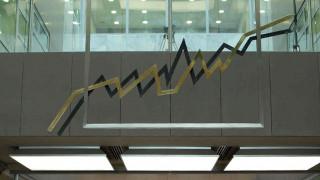 Κέρδη σε τραπεζικές μετοχές και ομόλογα από τη συμφωνία ΔΝΤ- ΕΚΤ