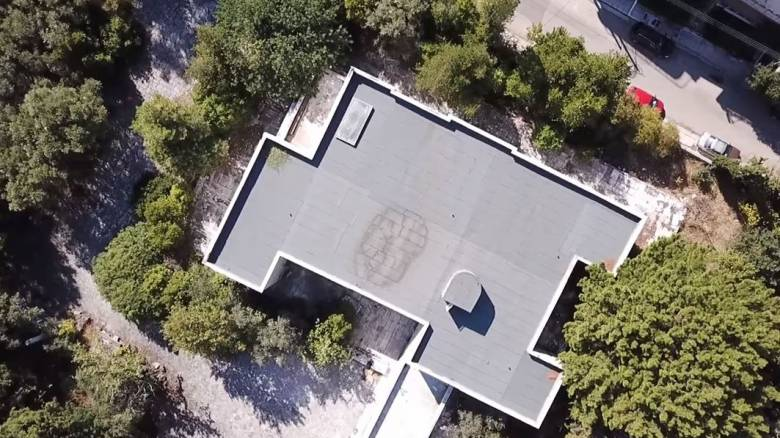 Βίλα Ιόλα: η λεηλατημένη κατοικία - μουσείο του «Μέγα Αλέξανδρου» της τέχνης (Vid)