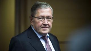 Ρέγκλινγκ: Η Ελλάδα βγαίνει από το Μνημόνιο - Δεν είναι χρεοκοπημένη χώρα