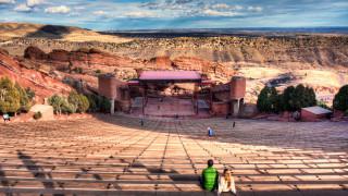 10 συναυλιακά μέρη που πρέπει οπωσδήποτε να επισκεφθείς σε αυτή τη ζωή