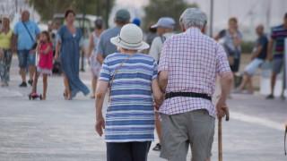 Γερνά ο πληθυσμός της Ελλάδας