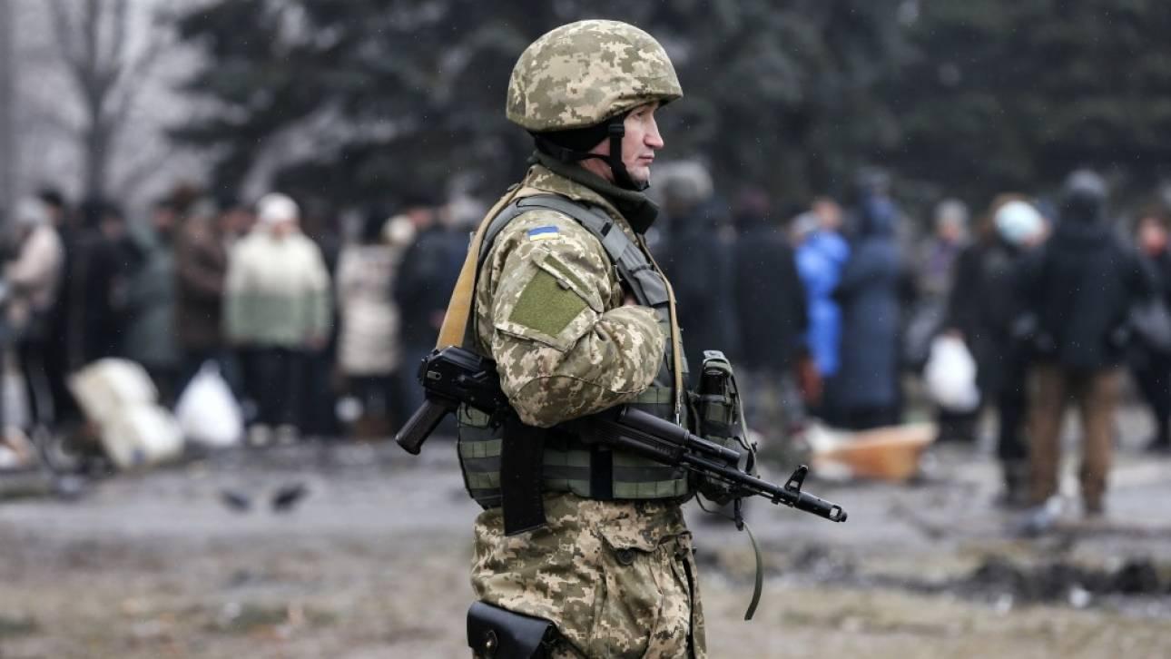 Ρωσία: Οπλίτης πυροβόλησε και σκότωσε συναδέλφους του σε πεδίο βολής και εξαφανίστηκε