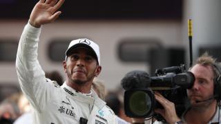 F1: Θρίαμβος για Χάμιλτον, «καταστροφή» για Φέτελ στη Μαλαισία (vid)
