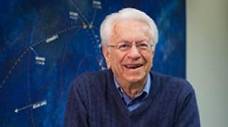 Σταμάτης Κριμιζής: Το βραβείο «φόν κάρμαν» στον Έλληνα διαστημικό επιστήμονα