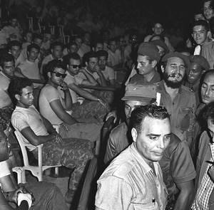 16 Απριλίου 1961: Εξόριστοι Κουβανοί επιχειρούν να εισβάλουν στη χώρα από τον Κόλπο των Χοίρων υπό την υποστήριξη της CIA, όμως αποτυγχάνουν.