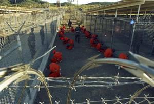 2002: Μετά την επίθεση της 11ης Σεπτεμβρίου του 2001, μέρος των φυλακών του Γκουαντάναμο, που χτίστηκαν το 1903, μετατρέπεται σε χώρος κράτησης μαχητών ξένων δυνάμεων.