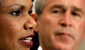 2004: Μετά την επανεκλογή του Τζορτζ Μπους στην προεδρία των ΗΠΑ, η υπουργός Εξωτερικών Κοντολίζα Ράις δηλώνει ότι η Κούβα είναι ένα από τα «φυλάκια τυραννίας» του κόσμου.